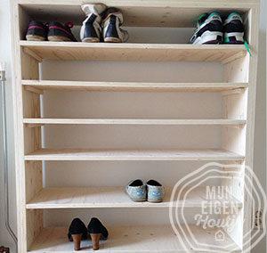 Houten schoenenkast